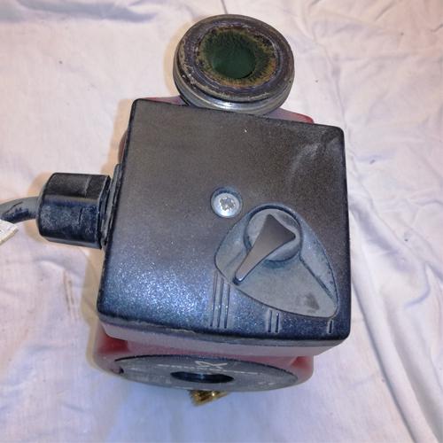 Cirkulationspumpe afmonter strøm 01