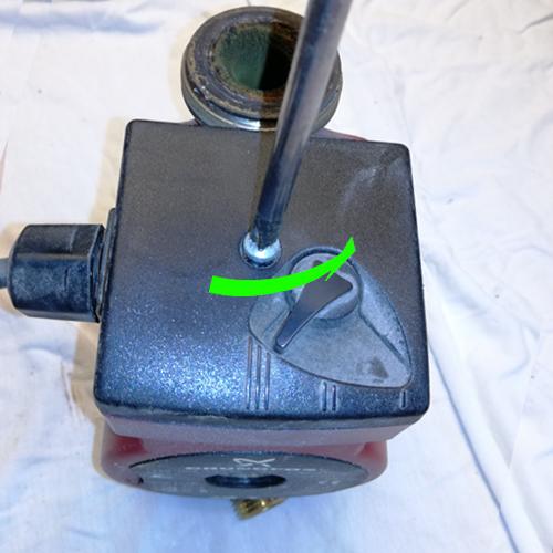 Cirkulationspumpe afmonter strøm 02