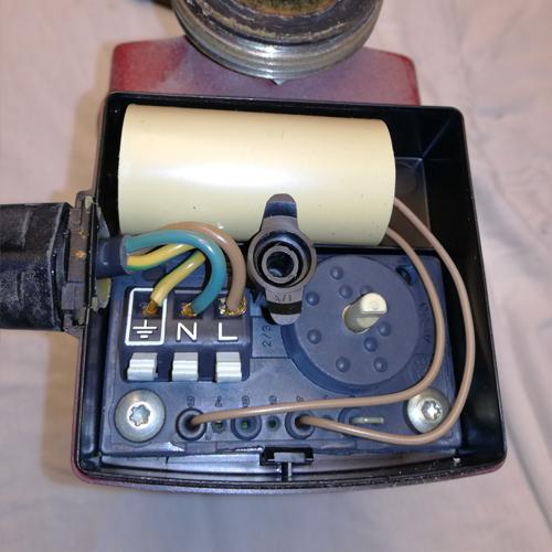 Cirkulationspumpe afmonter strøm 04