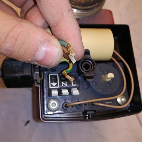 Cirkulationspumpe afmonter strøm 05