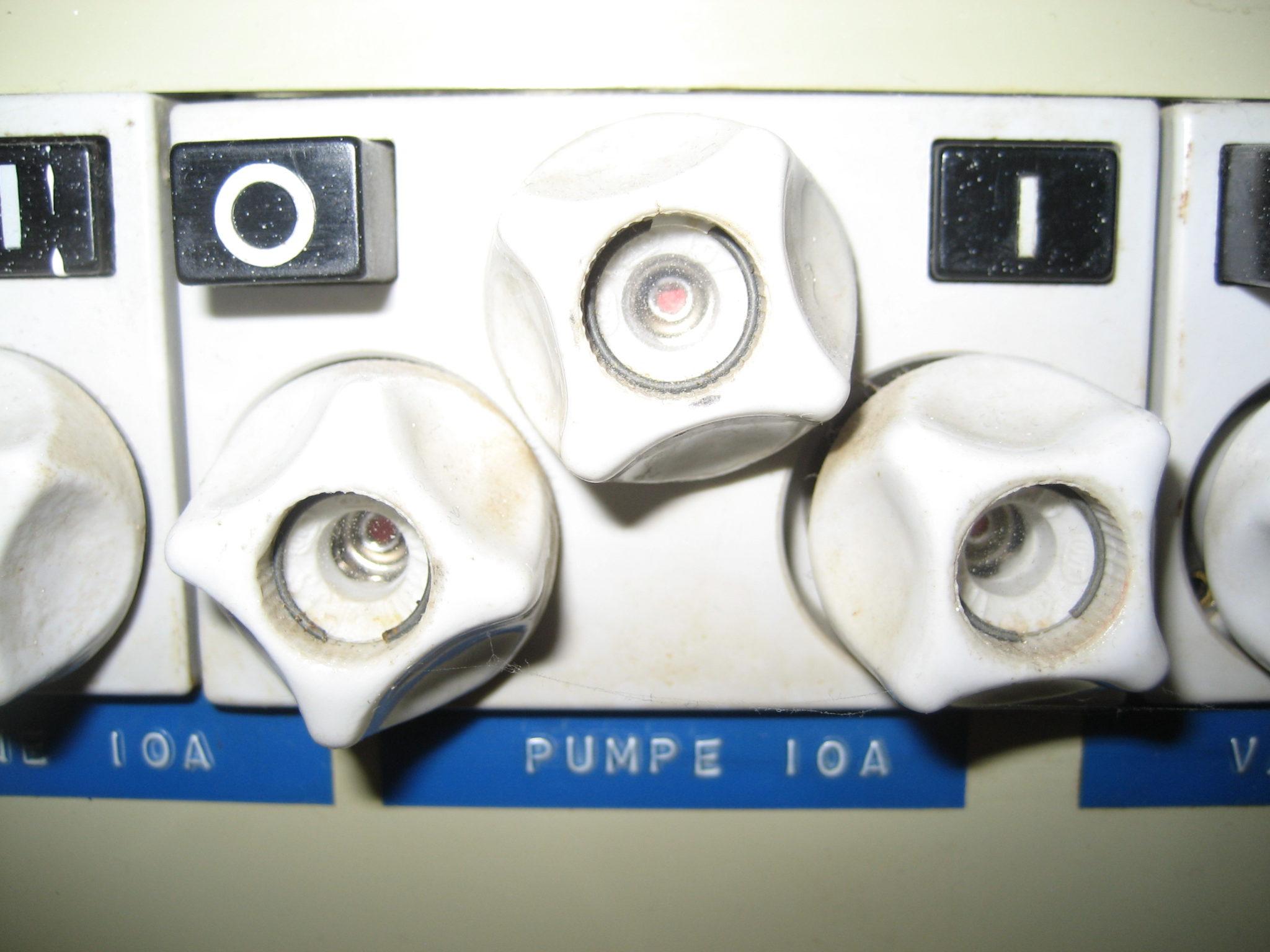 Cirkulationspumpe strøm på eltavle