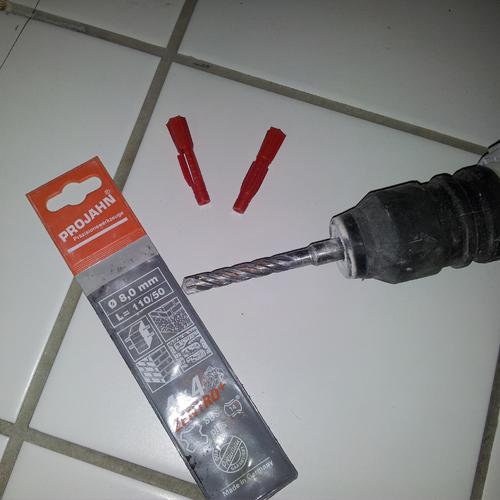 03 Montering af toilet med skruer